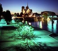 Vuelos a París: Vista de noche de París